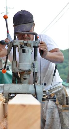 歴史と暮らせる家古来から受け継がれてきた木造建築技術である伝統工法は、木材の特長を生かし、 日本の風土に適した建築技術と言えます。